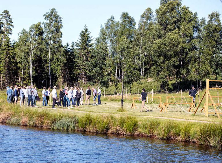 Kampen runt sjön, Uddetorp Säteri